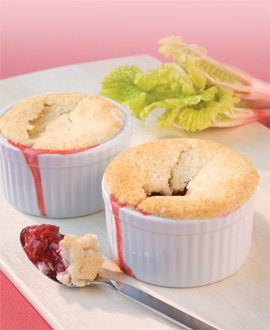 recipe.strawberry-rhubarb-cobbler