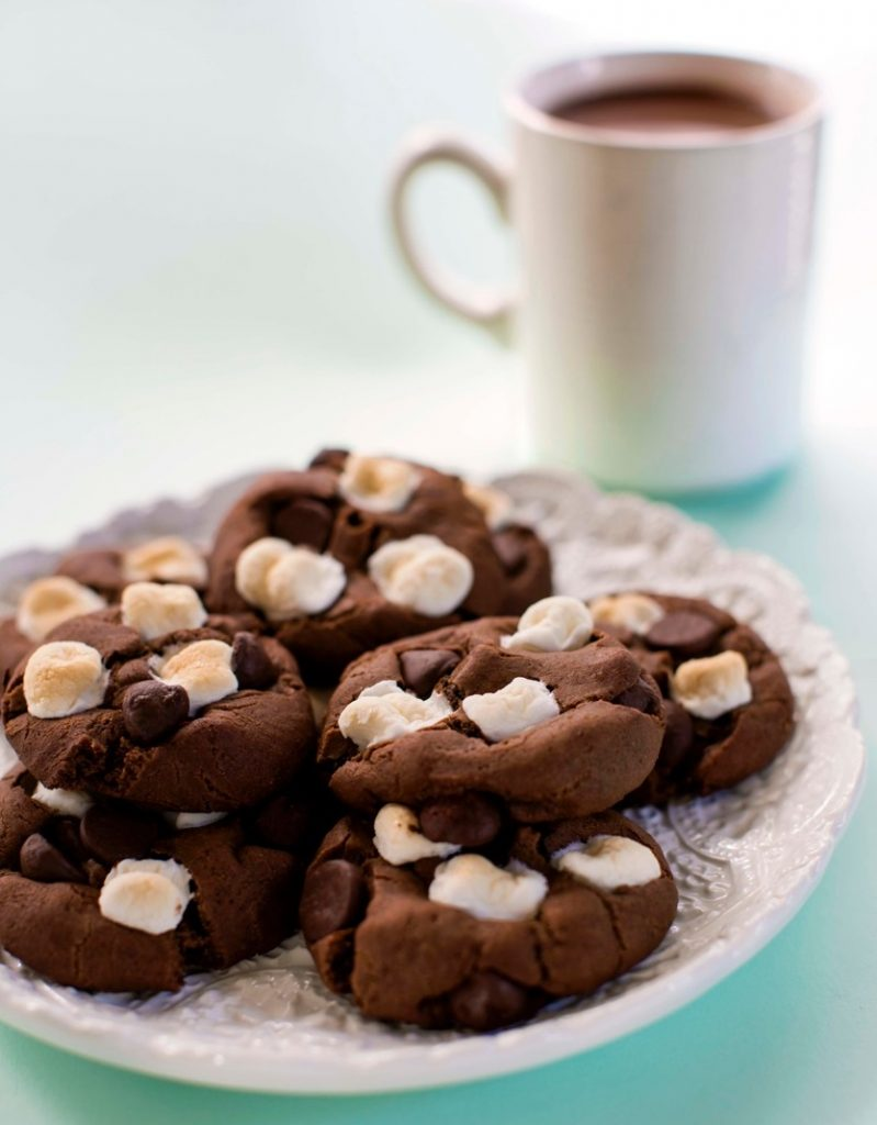 mini hot cocoa cookies recipe mini hot cocoa cookie mugs are mini hot ...