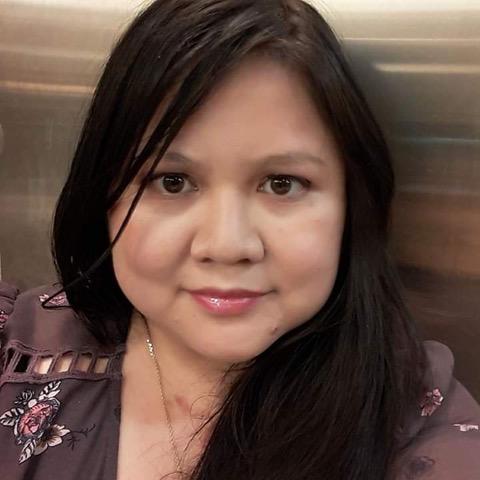 Headshot of Helen Chu, who identifies as Asian American.