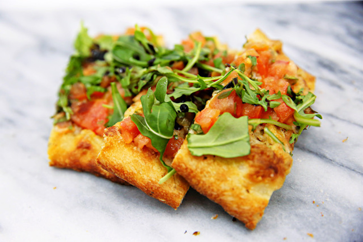 Allergy-Friendly Arugula and Bruschetta Flatbread